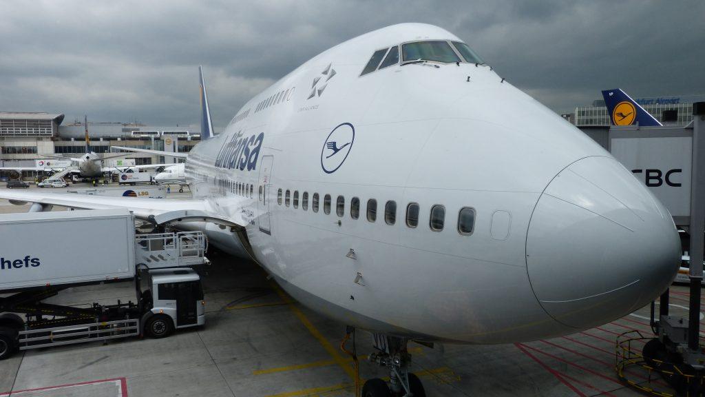 Flughafen Frankfurt, LH492