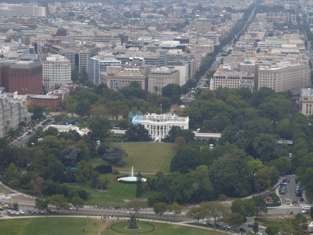 Washington Monument, Ausblick aufs White House